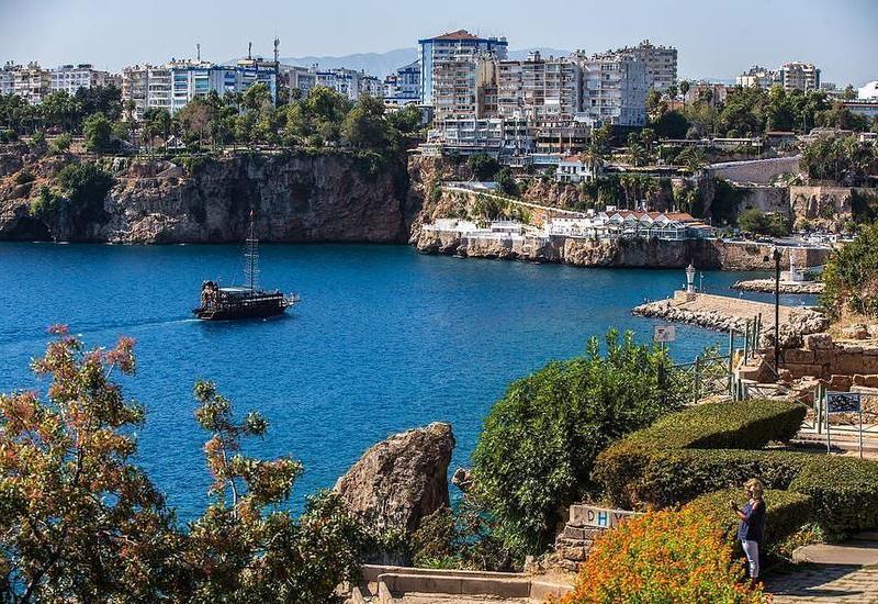 Минздрав Турции опроверг информацию о вспышке коронавируса на курортах