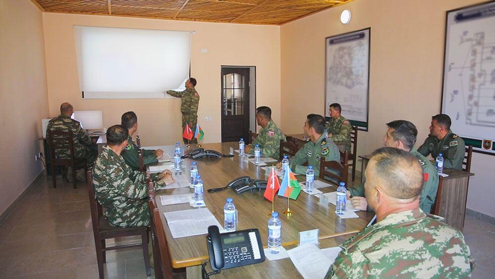 В Нахчыване продолжаются широкомасштабные азербайджано-турецкие учения