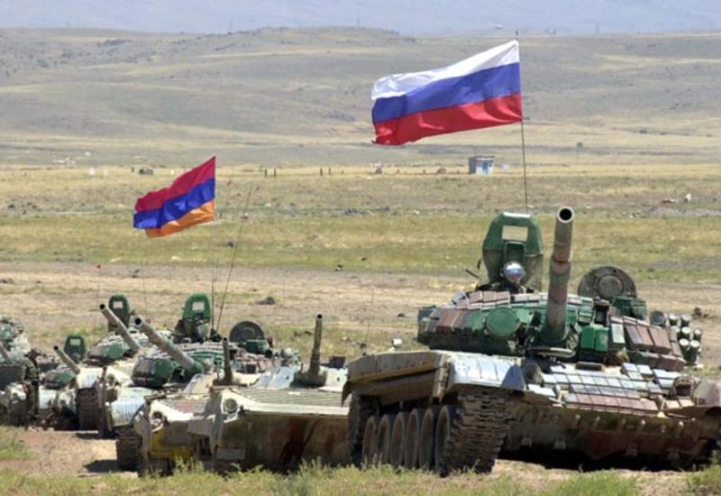 Россия говорит о мире в Карабахе и тайно вооружает Армению