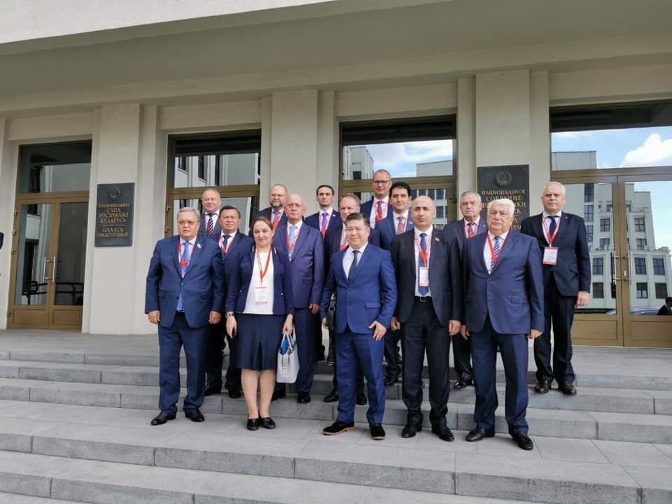 Азербайджанская делегация наблюдает за президентскими выборами в Беларуси