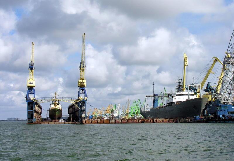 В Литве произошел разлив нефти в порту