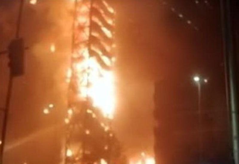 В Индии произошел пожар в отеле, где находились больные COVID-19