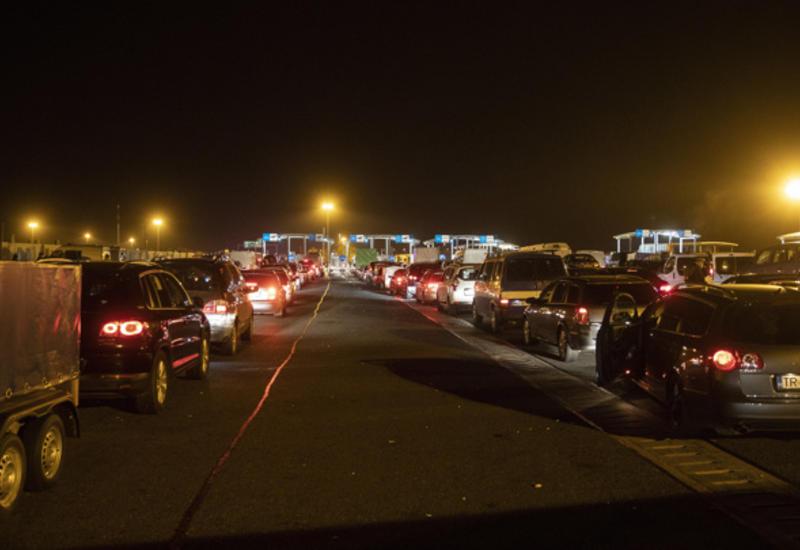 Тысячи машин застряли в пробке на границе Австрии и Словении