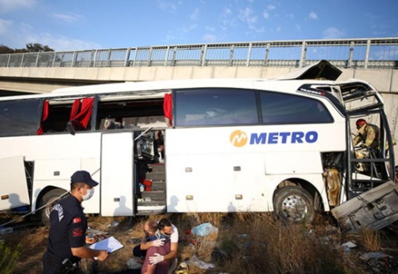 Тяжелое ДТП в Стамбуле, десятки пострадавших