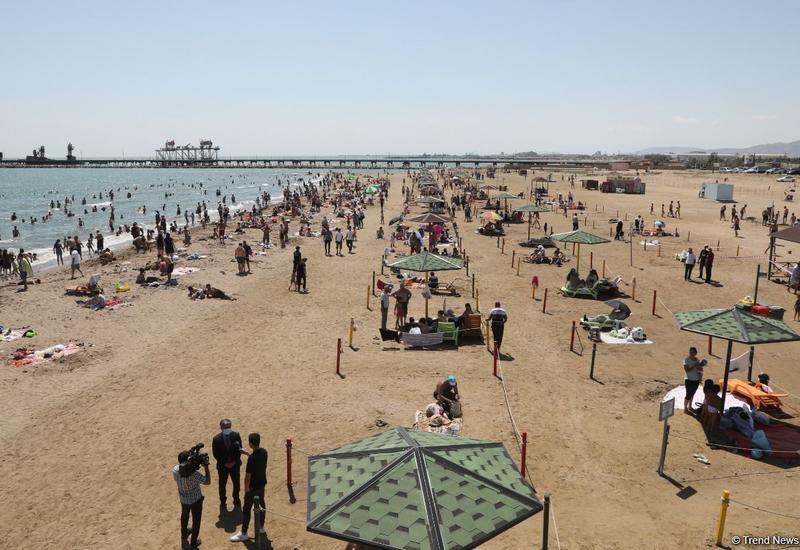 Названы опасные для купания пляжи Баку