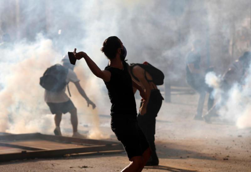 В столице Ливана произошли столкновения между протестующими и силовиками