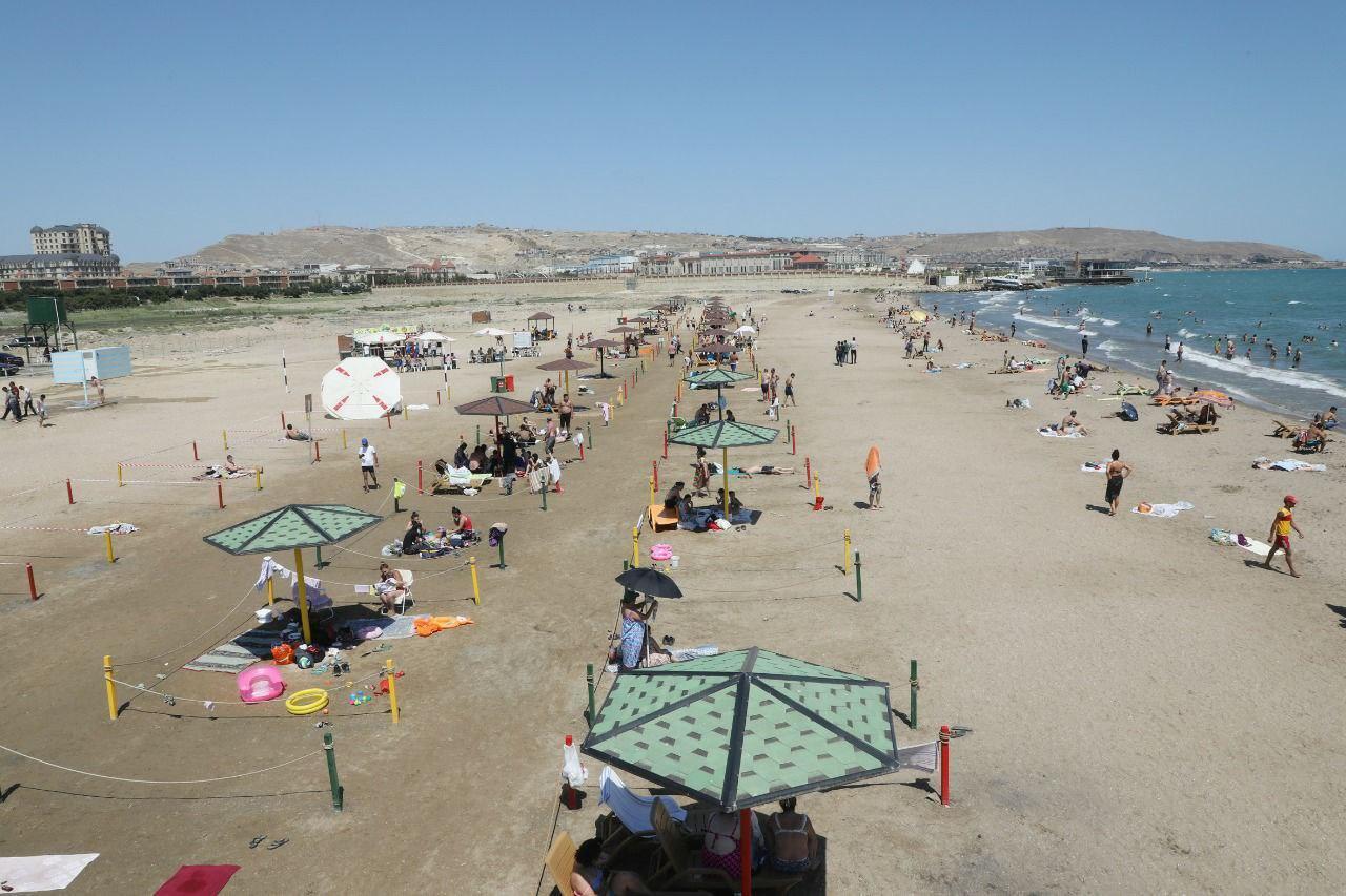На бакинских пляжах усилили контроль за соблюдением карантинных мер