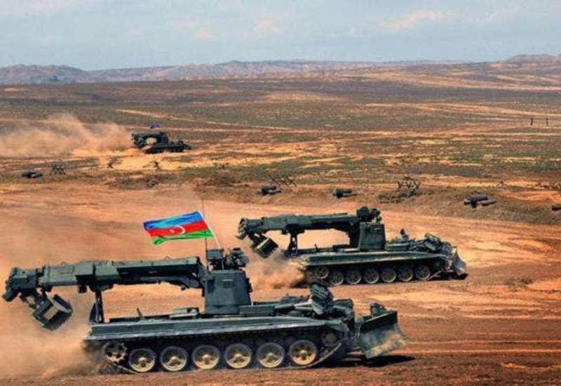ВС Азербайджана превосходят армянскую армию как по численности, так и по оснащению