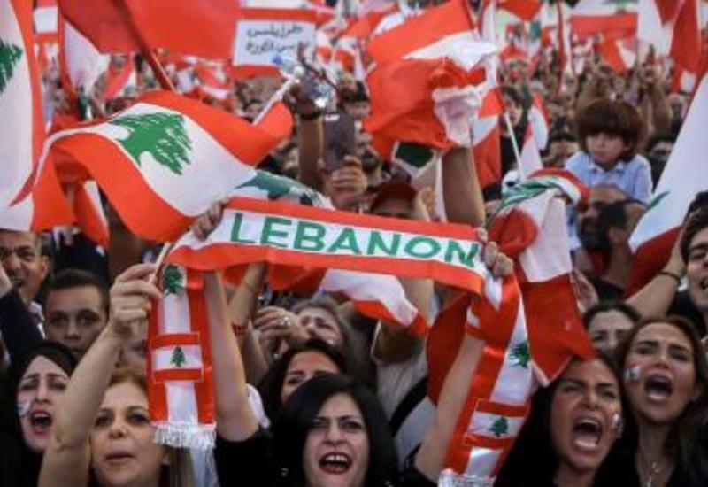 Правительство Ливана решило уйти в отставку после протестов
