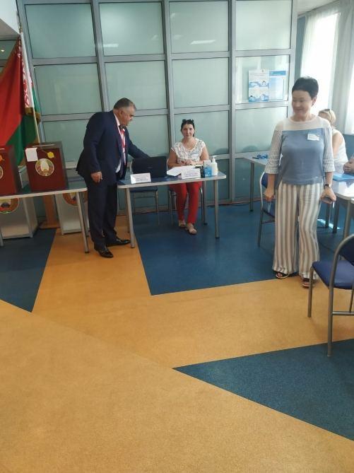 По предварительным данным ЦИК Беларуси, Лукашенко лидирует на президентских выборах с 80,23% голосов