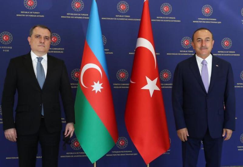 Джейхун Байрамов на переговорах с турецким коллегой в Анкаре