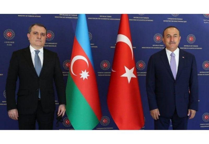 Азербайджан и Турция обсудили двустороннее сотрудничество