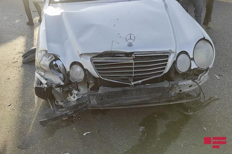 В Баку «Renault» устроил цепную аварию