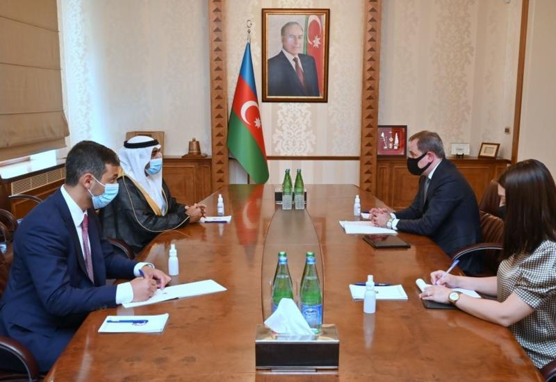 Джейхун Байрамов встретился с послом ОАЭ