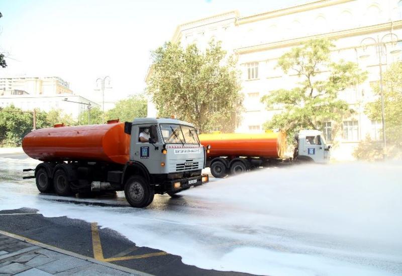 В Баку продезинфицировали улицы