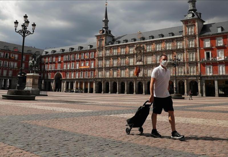 Власти Испании решили ужесточить антикоронавирусные ограничения