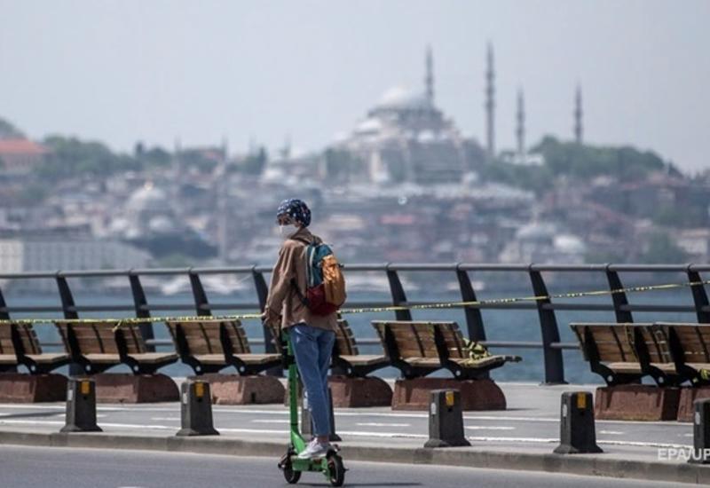 В Турции усиливают карантинные ограничения