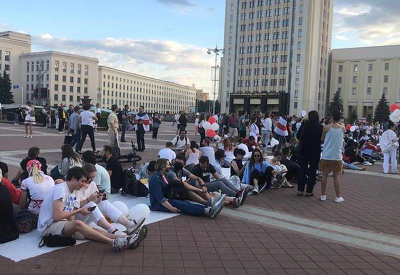В Армении протестующие перекрыли международную трассу