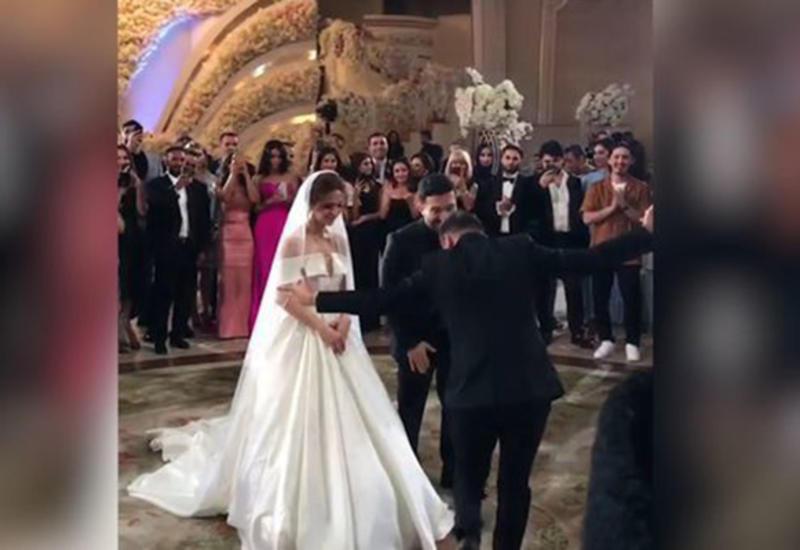Bahh Tee женился во второй раз