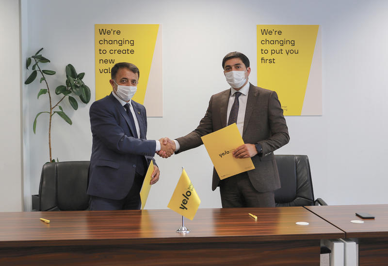 Yelo Bank первым из банков поддержал Ассоциацию пчеловодов