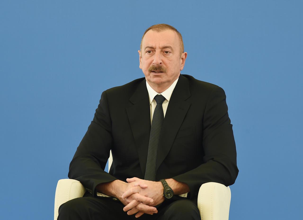 Президент Ильхам Алиев ознакомился со строительством 330/220/110-киловольтной электроподстанции «Гобу»