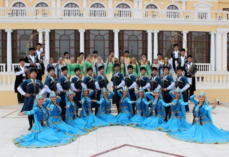 """Азербайджанские танцы на фестивале фольклора """"Горцы"""""""