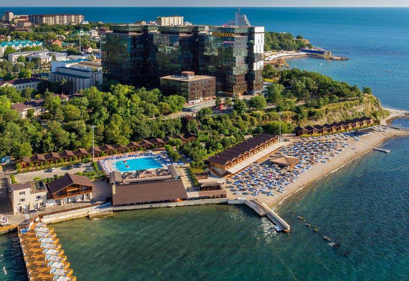 На популярном российском курорте начался вывоз туристов
