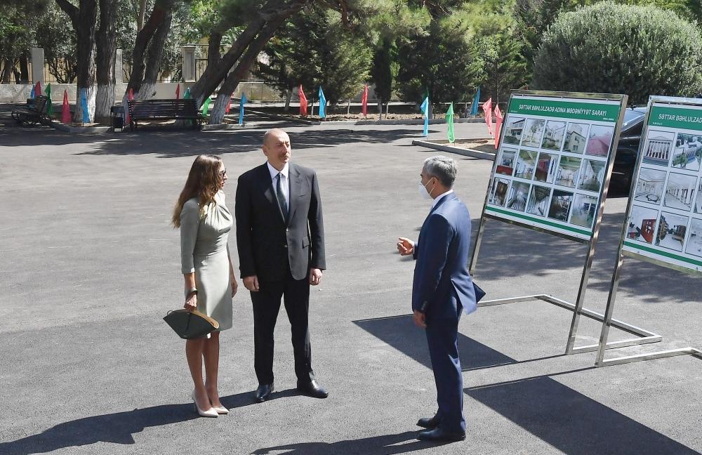 Президент Ильхам Алиев и Первая леди Мехрибан Алиева приняли участие в открытии Дома культуры имени Саттара Бахлулзаде