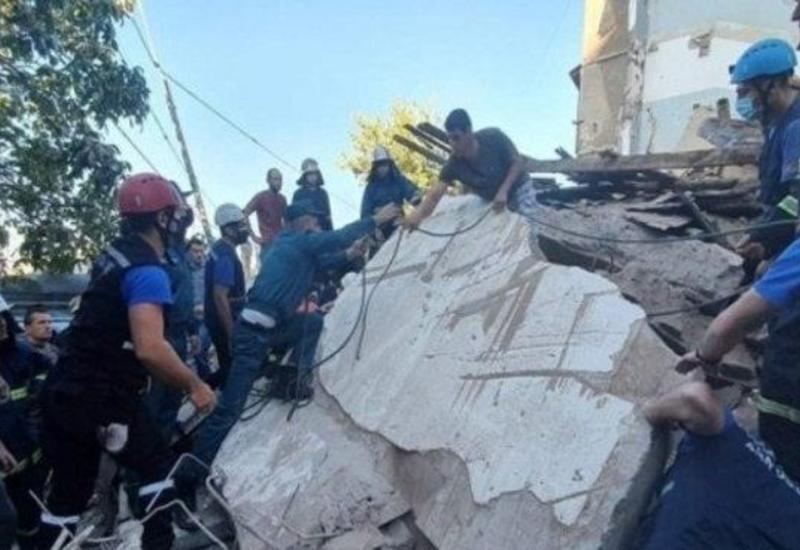Мощный взрыв в Ереване - обрушился жилой дом