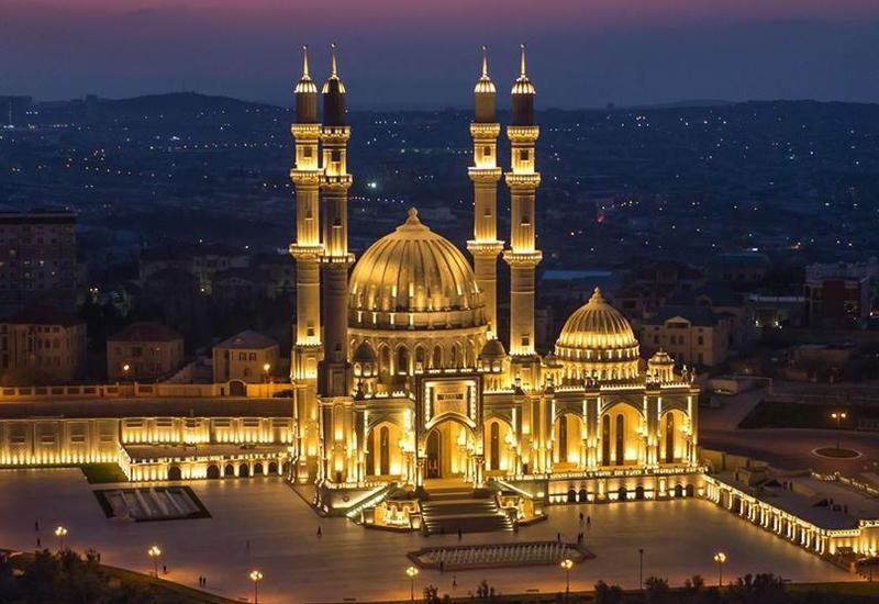 Богослужения в мечетях должны проходить онлайн
