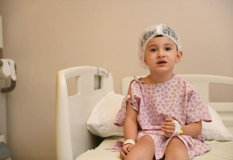 При поддержке Фонда Гейдара Алиева началось проведение операций по кохлеарной имплантации группе лиц с нарушениями слуха