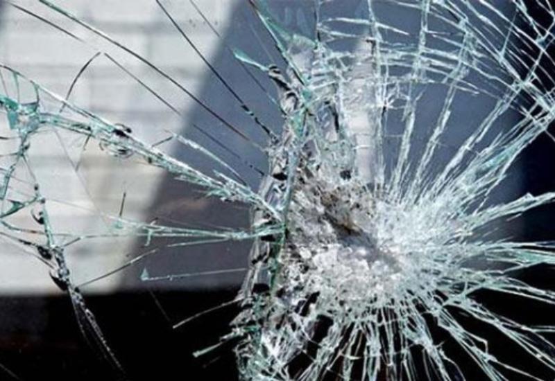 В Евлахе столкнулись 3 автомобиля, есть пострадавшие