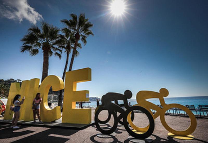 """Велогонка """"Тур де Франс"""" стартовала в """"красной зоне"""" без зрителей"""