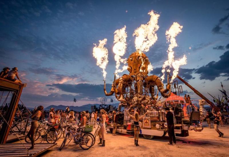 Фестиваль Burning man начался в формате виртуальной реальности