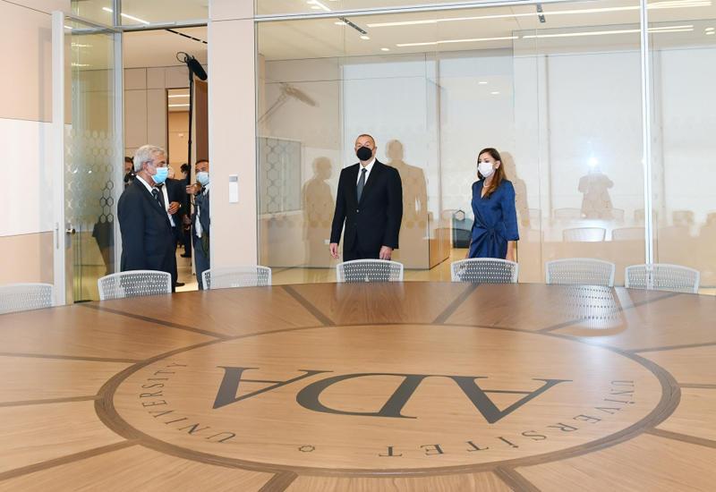 Президент Ильхам Алиев и Первая леди Мехрибан Алиева приняли участие в открытии двух новых корпусов Университета ADA