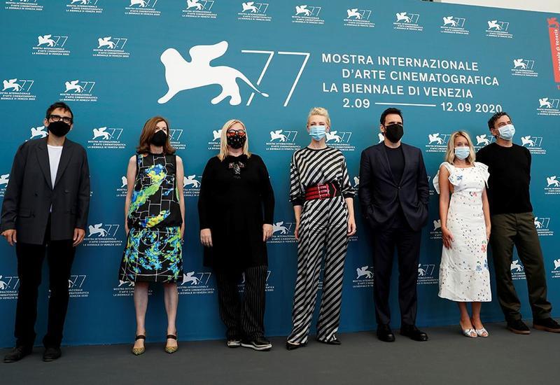 Кадры открытия 77-го Венецианского кинофестиваля