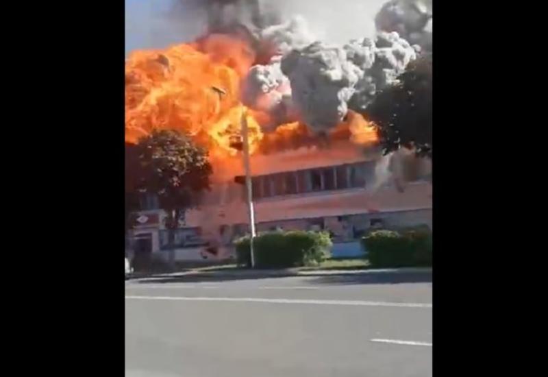 Во время пожара на фабрике в Беларуси прогремел взрыв