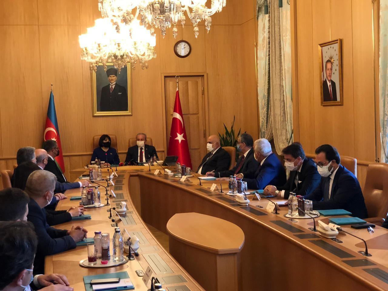 Сахиба Гафарова провела переговоры с председателем Великого Национального собрания Турции