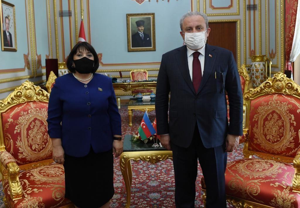 Мустафа Шентоп: Турция всегда рядом с Азербайджаном