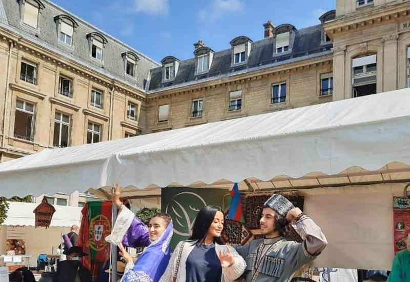 Культура и история Азербайджана представлена в 15 округах Парижа