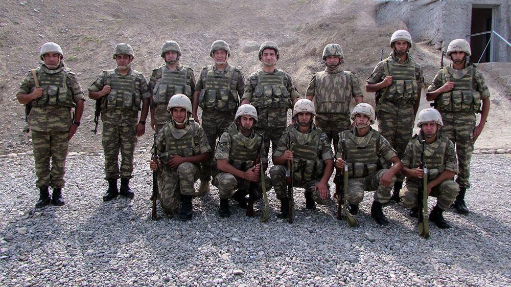 Хикмет Гаджиев посетил воинские части в прифронтовой зоне