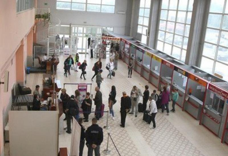 Боснийский аэропорт ввел налог в 1 евро для всех убывающих авиапассажиров