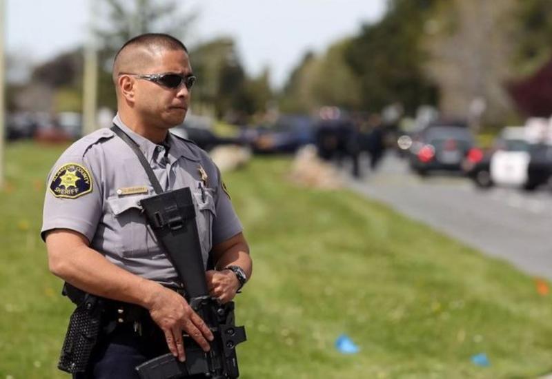 В Калифорнии в результате стрельбы ранили двух заместителей шерифа