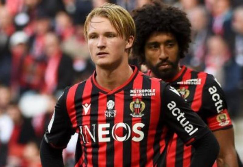 У футболиста сборной Дании Дольберга угнали машину и ограбили дом