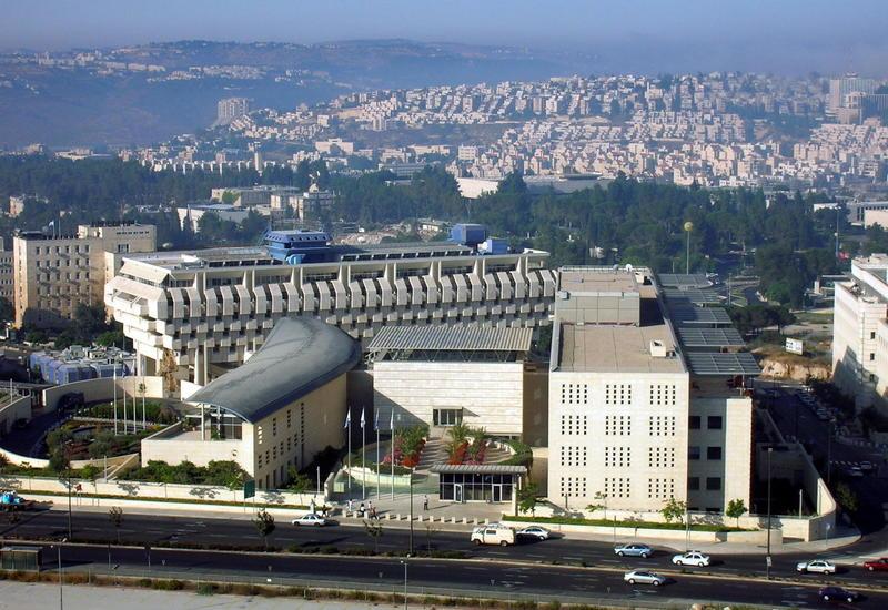 Израиль возобновляет жесткие карантинные меры