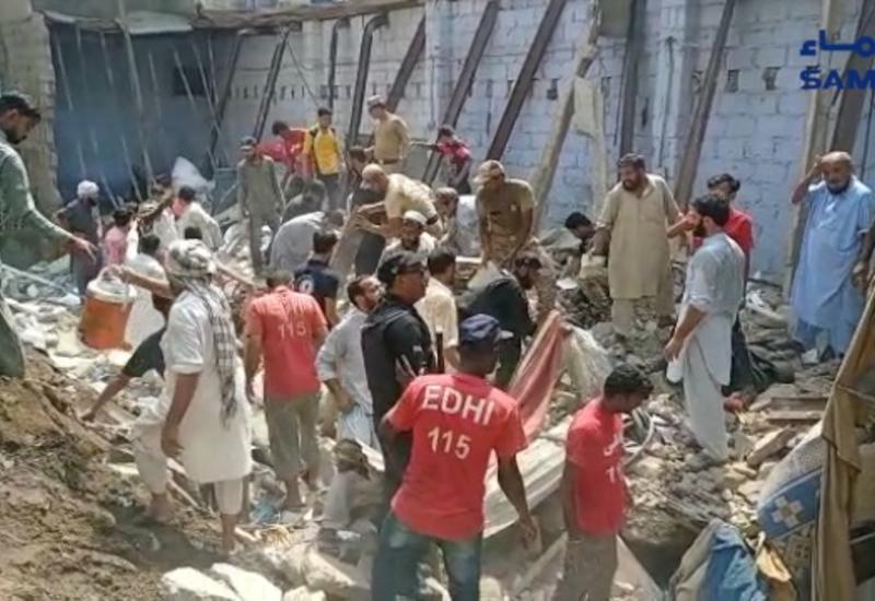 Обрушение жилого дома в Пакистане, есть жертвы