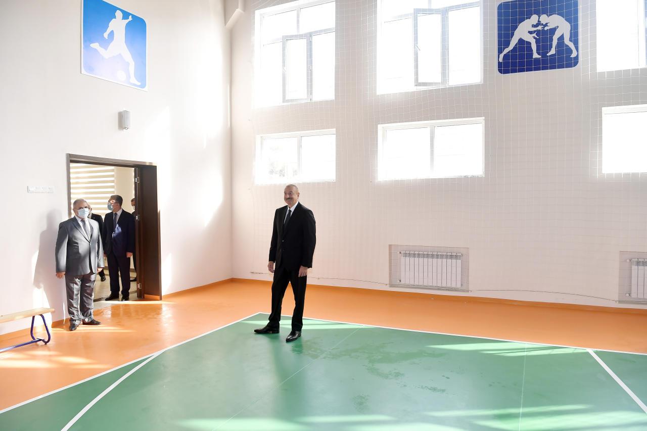 Президент Ильхам Алиев принял участие в открытии школы номер 154 в поселке Амирджан
