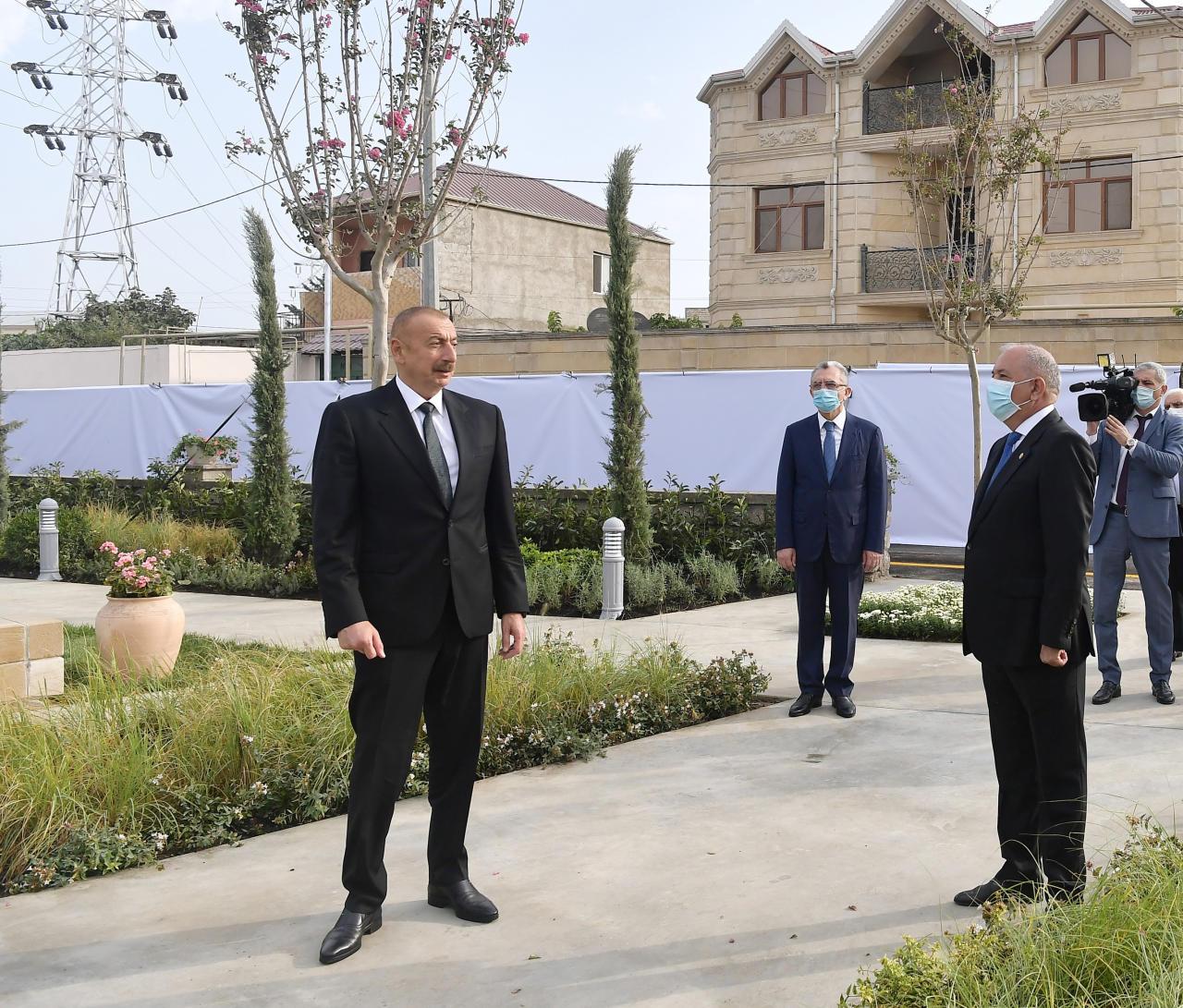 Президент Ильхам Алиев ознакомился с условиями, созданными в парке имени Муртузы Мухтарова в поселке Амирджан
