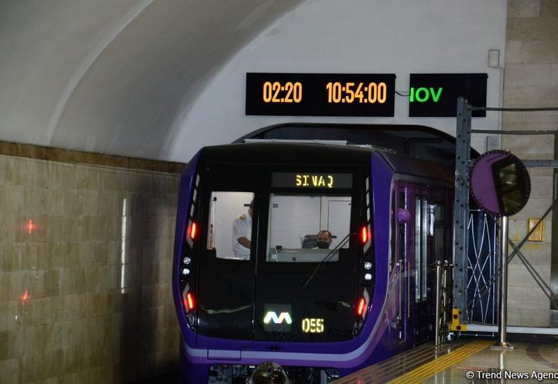 На линии бакинского метро пущены дополнительные поезда