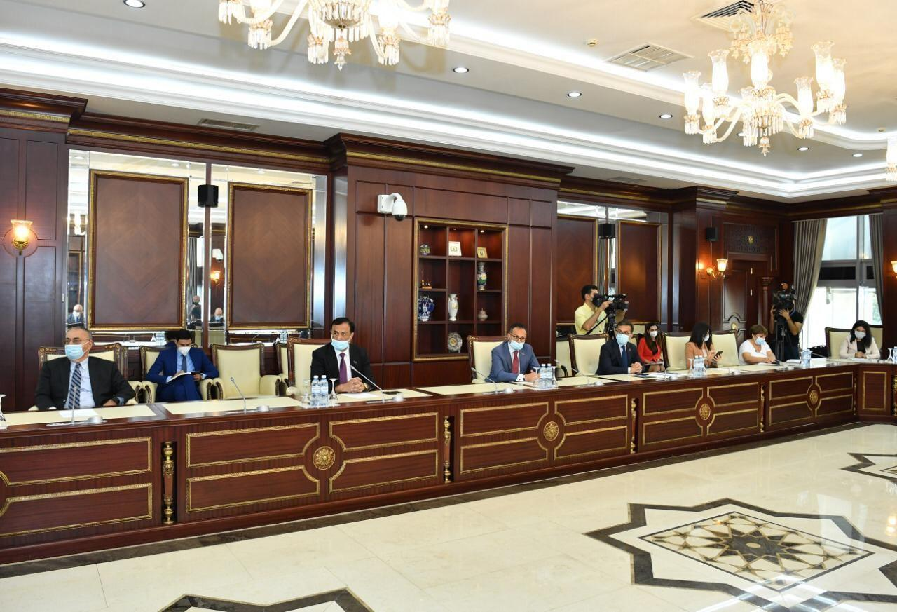 Парламентский комитет Азербайджана отчитался по итогам прошлой сессии